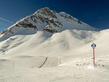 与标号的滑雪坡道 免版税库存照片