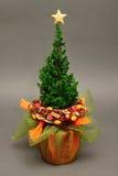与树的圣诞节装饰 免版税库存图片