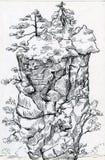 与树的高耸的山在上面 免版税库存照片