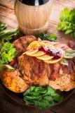 与栗子装填的被烘烤的火鸡和桔子 库存图片