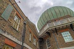 与格林威治中午拨号盘的题字在皇家观测所wa 库存照片