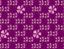 与桃红色会开蓝色钟形花的草的无缝的纹理 库存照片
