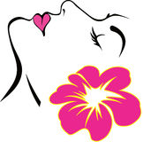 与桃红色花传染媒介的妇女面孔 库存照片