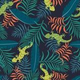 与棕榈叶和壁虎的热带背景 无缝密林的模式 免版税图库摄影