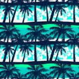 与棕榈无缝的样式的热带赤素馨花 库存照片