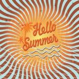 与棕榈树的背景你好夏天。葡萄酒 免版税图库摄影