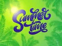 与棕榈的夏时字法种植背景 手拉的字法 假日热带明亮的背景 向量 皇族释放例证