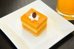 与模子的泰国茶夹心蛋糕 免版税库存图片