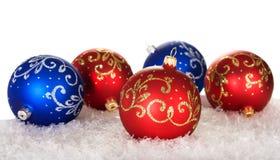 与模式的五个圣诞节球 免版税库存照片