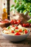 与橄榄油的意大利面食 库存照片