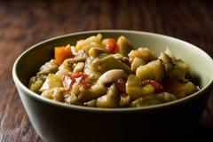 与橄榄油/Zeytinyagli Patlica的土耳其食物茄子沙拉 库存图片