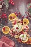 与橙色冰淇凌的蔓越桔奶蛋烘饼 图库摄影