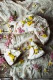 与橙风味的可口新鲜的自创饼,牛奶,黄油,鸡蛋 免版税库存照片