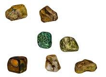 与次贵重的石头,水晶,矿物的首饰 免版税库存照片