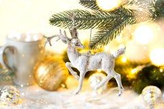 与欢乐装饰的圣诞节背景 免版税图库摄影