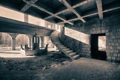 与步的圆楼梯 免版税库存照片