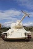 与残破的枪管的俄国做的T-34-85坦克由在显示的IDF形式埃及夺取了在Yad LaShiryon装甲的军团博物馆 库存照片