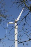 与残破的翼的Windturbine,弗莱福兰省,荷兰 免版税库存照片