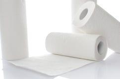 与毛巾纸卷的构成 免版税库存照片