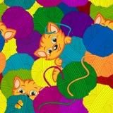 与毛线小猫和球的无缝的样式  免版税图库摄影