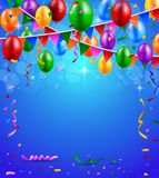 与气球和丝带背景的生日快乐党 免版税库存图片