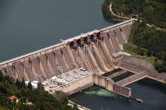 与氢结合的水坝在塞尔维亚 免版税库存图片