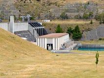 与氢结合的水坝电力驻地发电器房子 图库摄影