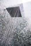 与水下落的顶头阵雨 图库摄影