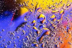 与水泡影的抽象背景 空气或分子宏观射击  细胞,膜纹理背景 免版税图库摄影