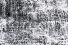 与水行动的落下的瀑布特写镜头停止了, spashes a 图库摄影