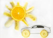 与汽车的太阳 免版税图库摄影