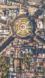 与汽车的路环形交通枢纽在曼谷,泰国抽签Wongwian亚伊 免版税库存图片