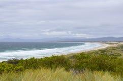 在火海湾的塔斯马尼亚岛海滩  库存照片