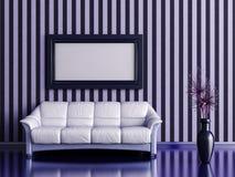 与沙发和植物的内部 免版税库存图片