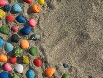 与沙子和壳的摘要 免版税库存照片