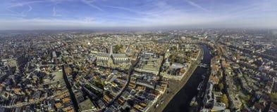 与河Spaarne的哈莱姆中心 免版税库存图片