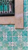 与浅兰的窗口的Azulejos 免版税库存图片