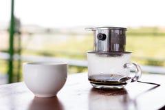 与浓烈的味道的一份传统越南咖啡 免版税库存图片