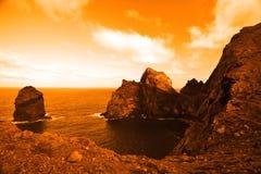 与浩大的海洋的美丽的离开的行星 免版税库存图片