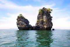 与海岛的风景 langkawi马来西亚掌上型计算机高孪生 免版税库存照片