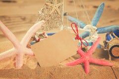 与海星的空的明信片 库存照片