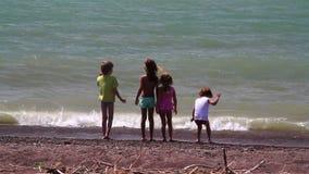 与海浪的孩子比赛 股票录像