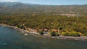 与海滩和旅馆,巴厘岛的海岸 免版税图库摄影