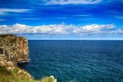与海洋岸的风景在阿斯图里亚斯,西班牙 库存图片