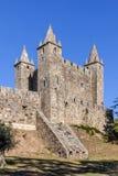 与涌现从墙壁的炮台地堡的费拉城堡 图库摄影