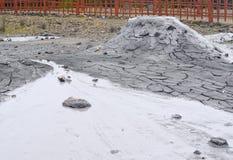 与液体和固体物料- Baratang海岛,安达曼尼科巴群岛,印度放射的泥火山  免版税图库摄影