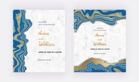 与液体大理石纹理的婚姻的请帖 蓝色有金黄闪烁墨水绘的背景 横幅的时髦模板 库存例证