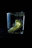 与淡水的新鲜的清楚的水 免版税图库摄影