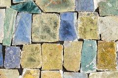 与混乱样式,无缝的背景照片纹理的五颜六色的石马赛克 免版税库存图片