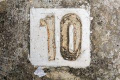 与混凝土的数字在边路10 免版税库存图片